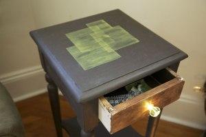 scrabble-magic-table